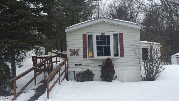 10 Back Street, North Waterboro, Maine 04061