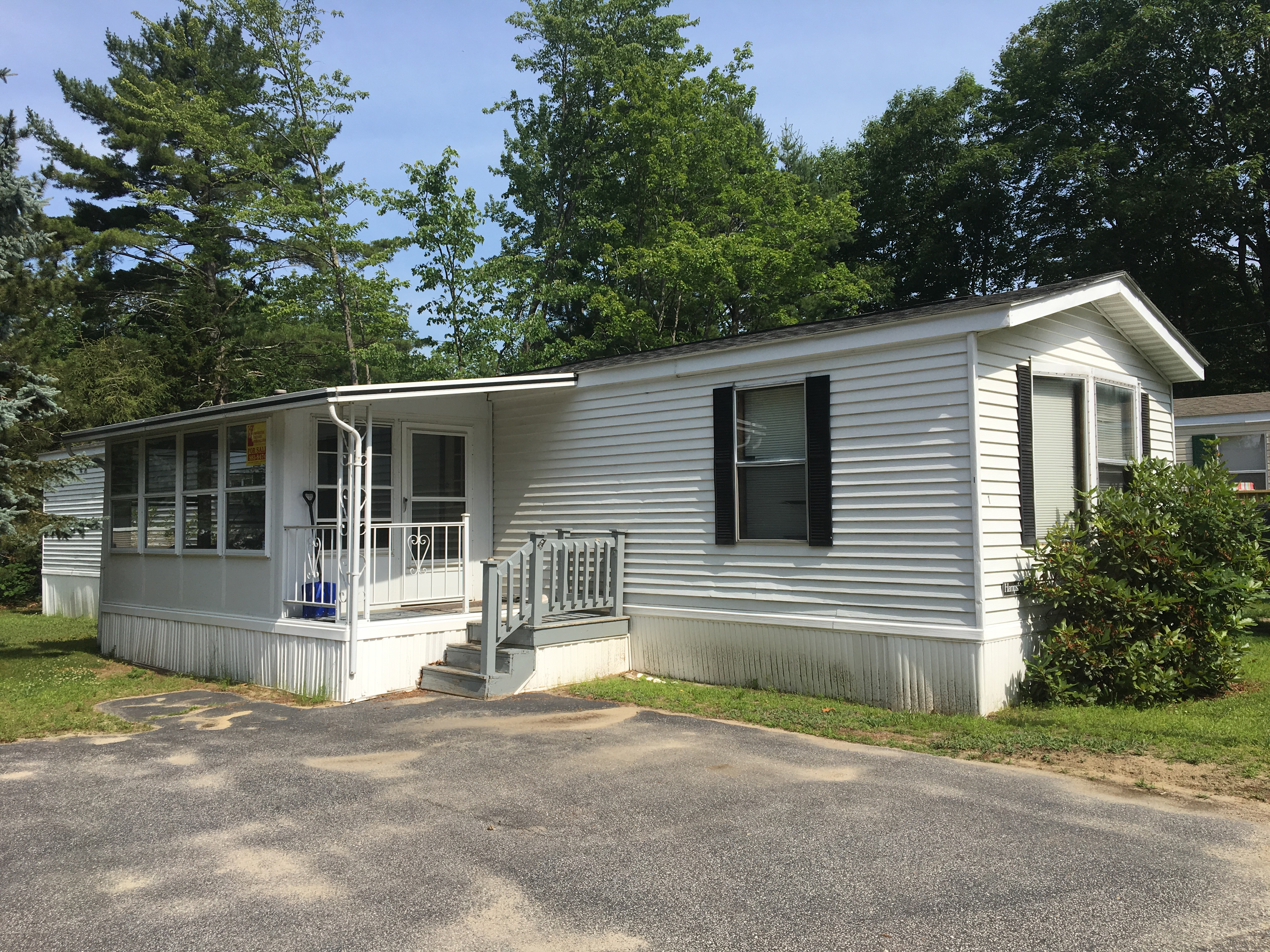 Maine Mobile Home For Sale at 1 Castle Rock Drive, Old Orchard Beach