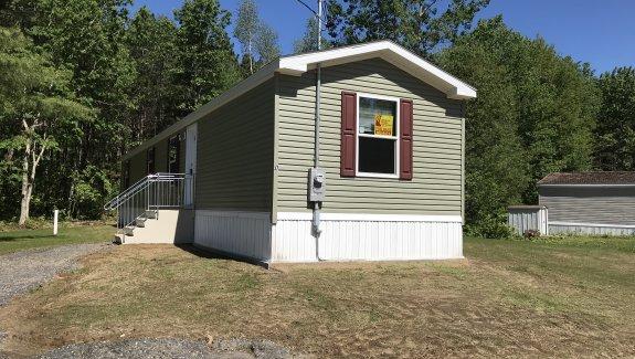 12 Leo St Guillemettes Park Sanford Maine 04073