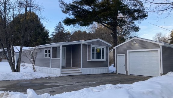 9 Dode Dr, Blue Haven Park, Saco, Maine 04072
