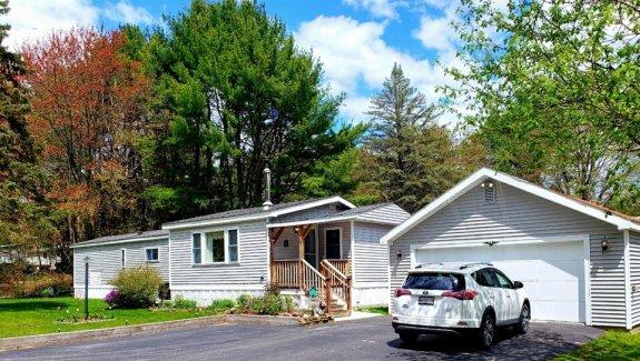 11 Dode Drive, Blue Haven Park, Saco, Maine 04072
