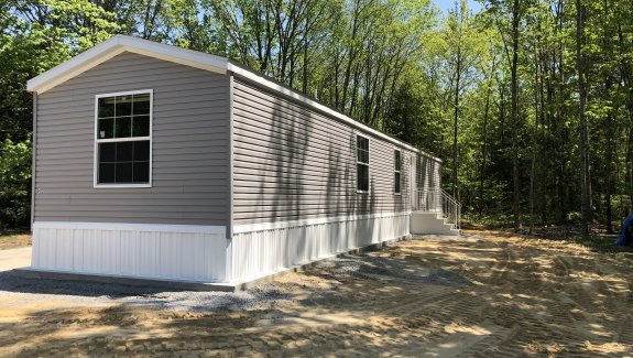 12 Terry Drive Country Living Park Sanford Maine. 04072